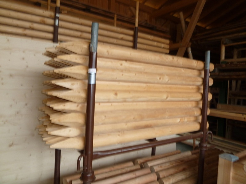 holzz une rundholzprodukte holz im garten roland krammer. Black Bedroom Furniture Sets. Home Design Ideas